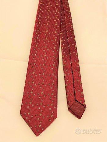 Cravatta Hermes rossa motivo fiori