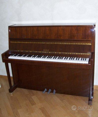 Pianoforte verticale Petrof P 118