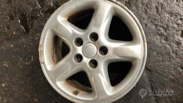 """Cerchi in lega Toyota RAV4 da 16"""""""