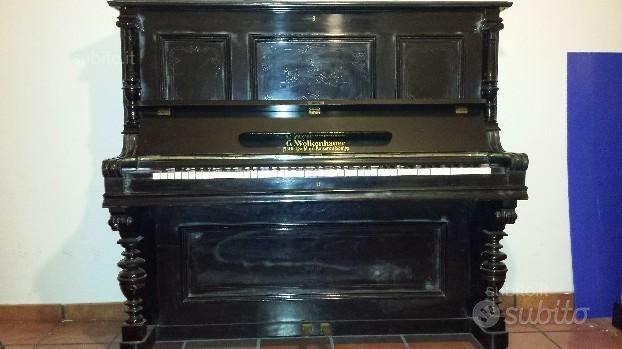 Pianoforte classico in vero legno massello