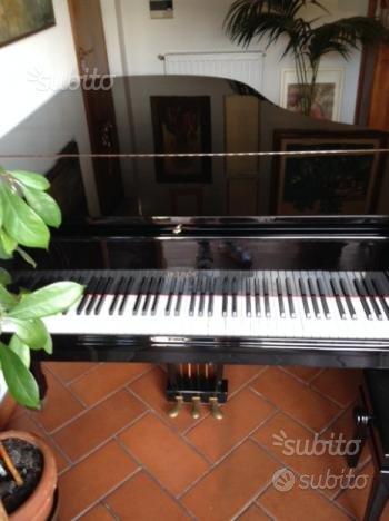 Pianoforte PETROF (193 cm) 3/4 Coda