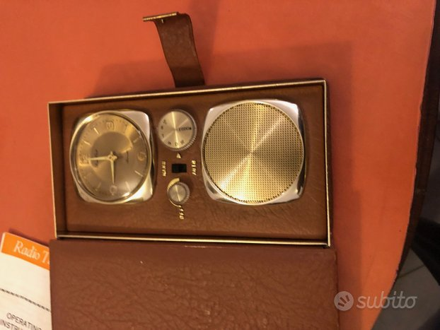Radio sveglia da viaggio vintage funzionante