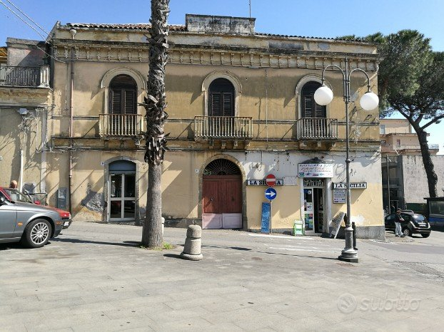 San Giovanni Montebello centro palazzo nobiliare