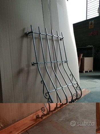 Inferriata di sicurezza bombata in ferro verniciat