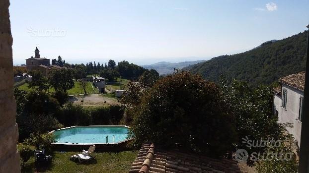 Appartamento vista monti e piscina (La Panoramica)