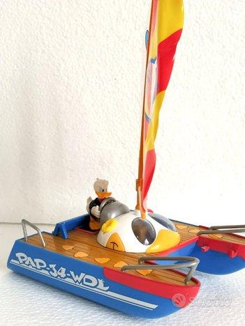 Il catamarano di Paperino gadget Disney Topolino