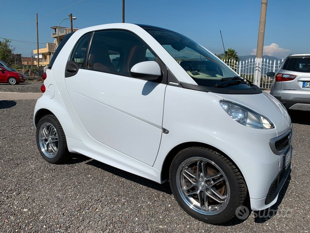 Smart ForTwo 1.0 bz MHD Brabus Tailor Made 2015