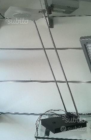 Lampada da tavolo a led in alluminio e acrilico