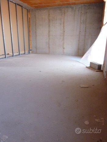 appartamento piano primo 3 camere - COLFOSCO (TV)
