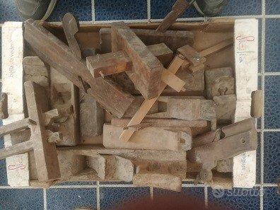 Strumenti antichi da falegname