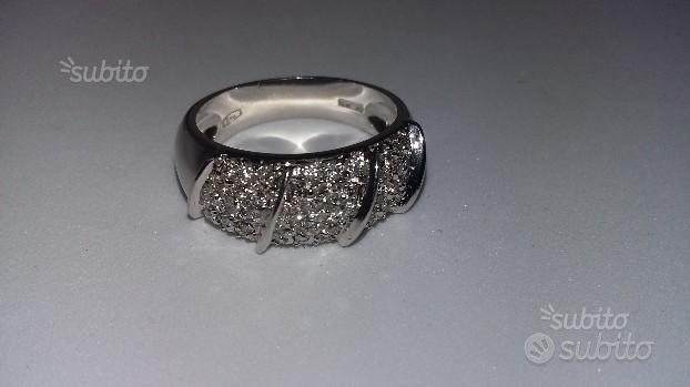 Anello in Oro Bianco e Diamanti 0,45 ct