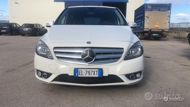 MERCEDES Classe B (W247) - 2012 B180 D EXECUTIVE