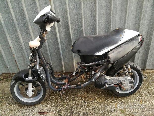 Smembro per ricambi scooter benelli 491 50 cc
