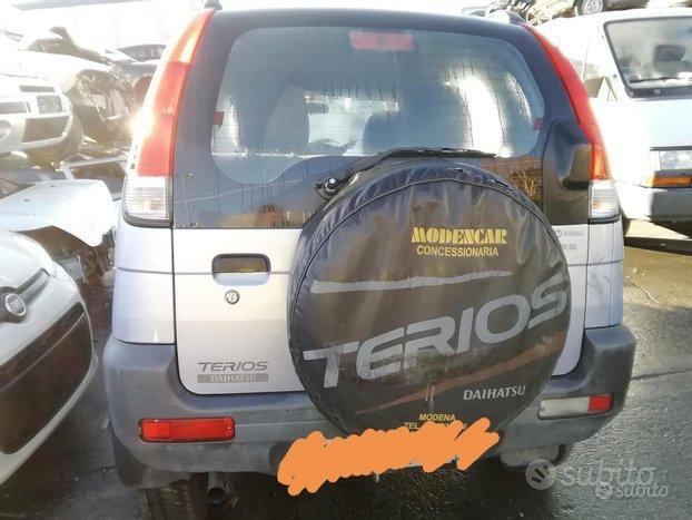 Daihatsu Terios 1.3 Benzina Anno 2005 Per Ricamb