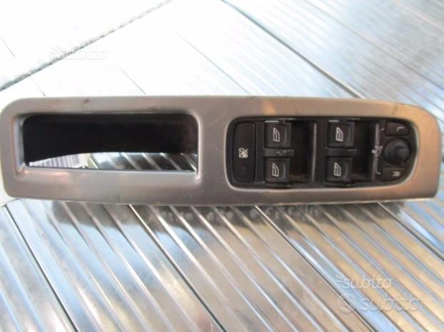 Volvo V50 pulsantiera anteriore Sx - E015