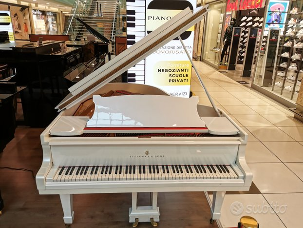 Pianoforte a coda (mezza coda) Steinway & Sons M