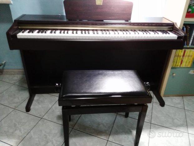 Pianoforte Yamaha Clavinova CLP-115 Sgabello