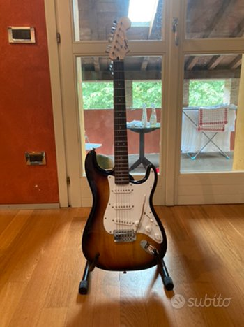 Fender SQUIRE bullet strat stratocaster