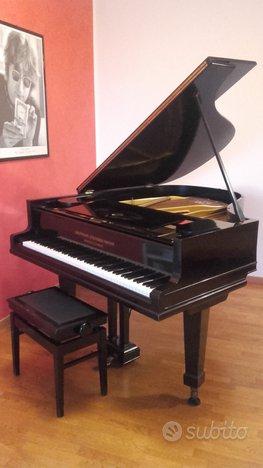 Piano GROTRIAN STEINWEG a mezza coda