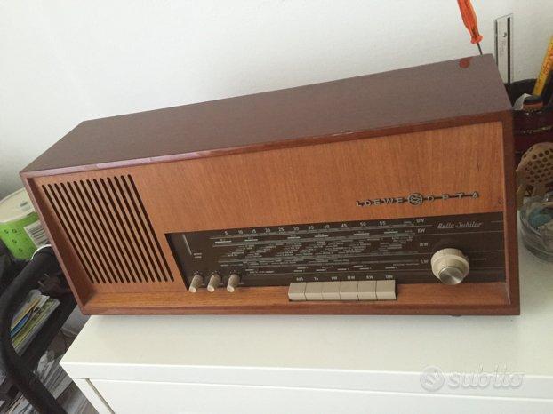 Radio a valvole d'epoca
