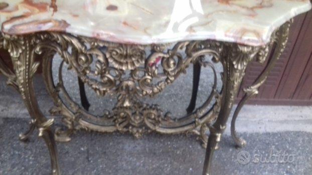 Consolle e specchiera e tavolino