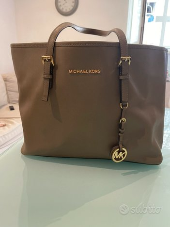 Shopper Michael Kors