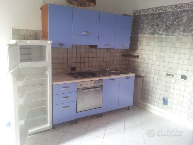 Bilocale s damaso loft mansarde e altro in affitto a modena for Subito arredamento modena