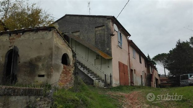 Rustico a Casciana Terme Lari, 25 locali