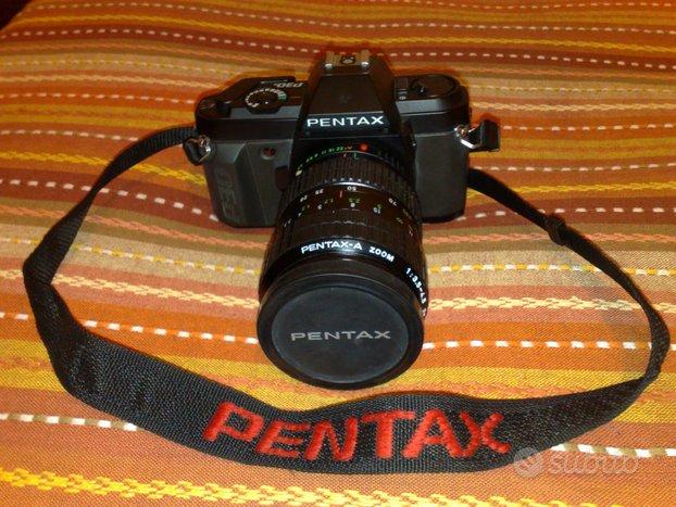 Fotocamera Pentax PN 30 con ottica zoom