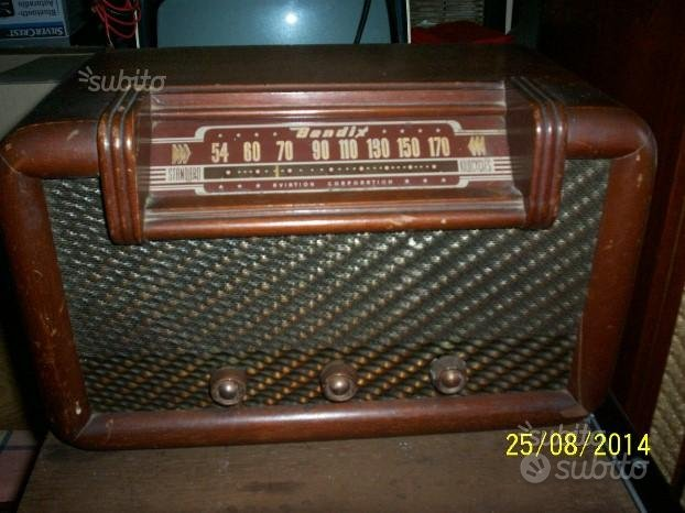 Radio americana valvole portatile