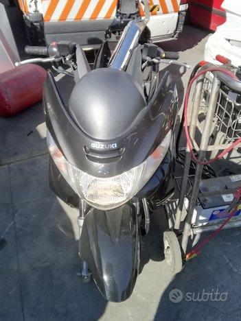 Suzuki Burgman 400 Anno 2012 Per Ricambi