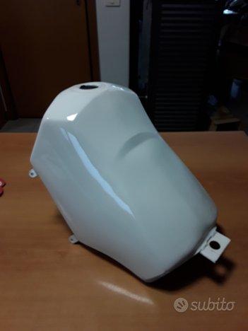 8130061 serbatoio Aprilia ETX 125 bianco metallo