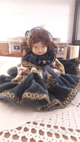 Bambole di porcellana da collezione