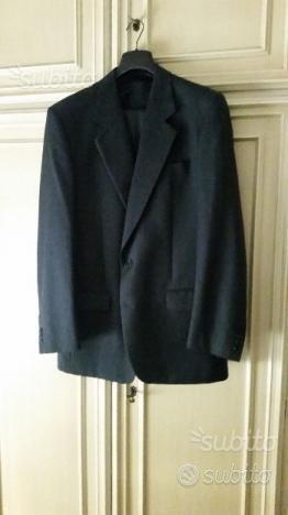 Completo grigio nuovo pura lana vergine taglia 52