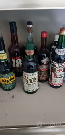 Bottiglie anni 80
