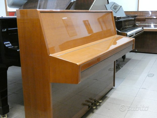 Pianoforte BACHMANN in noce chiaro COME NUOVO
