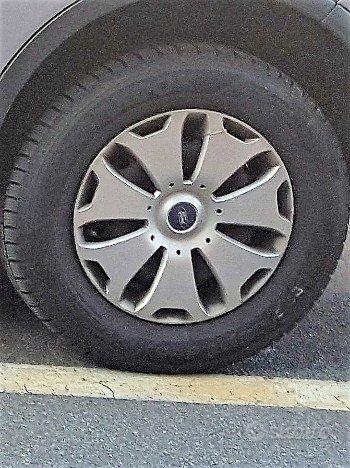 Gomme Termiche Hankook 235/60 R16 con Cerchi Ford