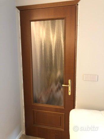 Porte interni in legno con vetro