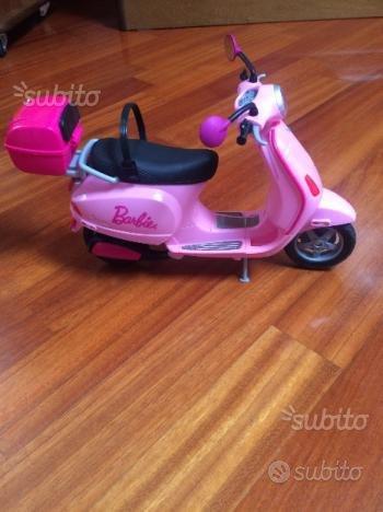 Vespa barbie rosa