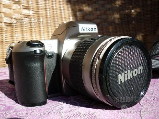 Fotocamera analogica nikon f65