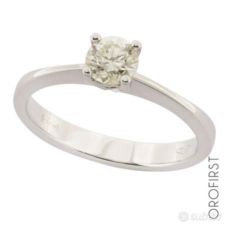 Anello solitario oro e diamante 0,70 ct