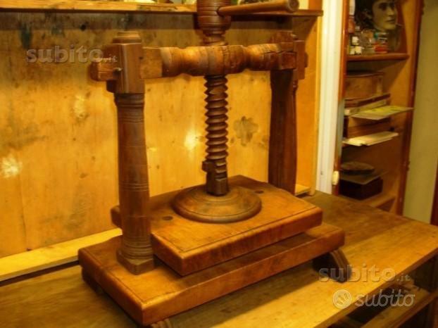 Antica pressa in legno 864