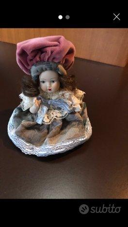 Bambola vintage da collezione