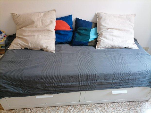 Divano letto matrimobiale Brimnes Ikea(2)