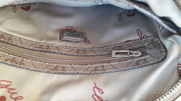 Guess color beige, oro
