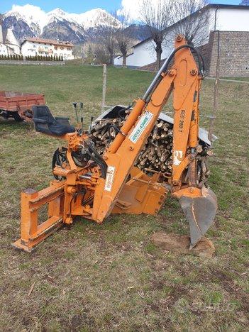 Retro escavatore agricolo trattore Sigma 4