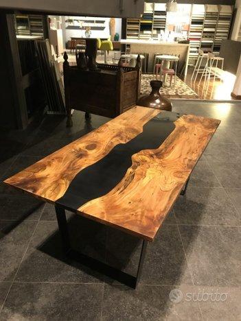 Tavolo Di Design In Legno Massello E Resina Arredamento E Casalinghi In Vendita A Genova