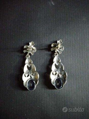 Orecchini pendenti in argento con topazio