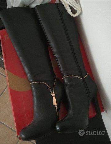 Stivali donna con tacco n.38