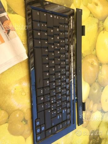 Tastiera notebook hp comprensiva di tasto wifi